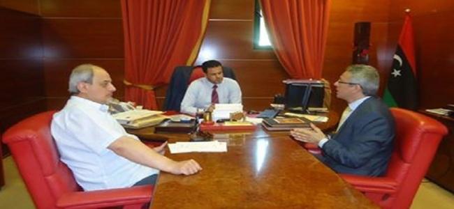 وكيل الوزارة يجتمع مع عضو من مجلس النواب و مستشار المجلس الرئاسي