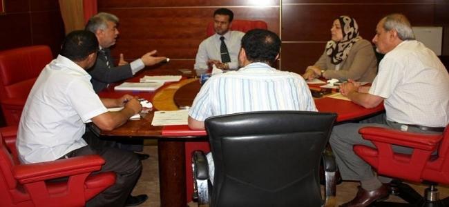 وكيل وزارة الصحة يعقد اجتماعه الثاني مع أعضاء لجنة العطاءات الفرعية لجهاز الإمداد الطبي